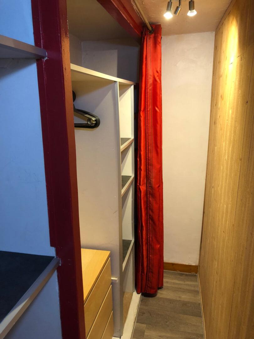 Dressing studio Villa Liberté Locations saisonnières meublées