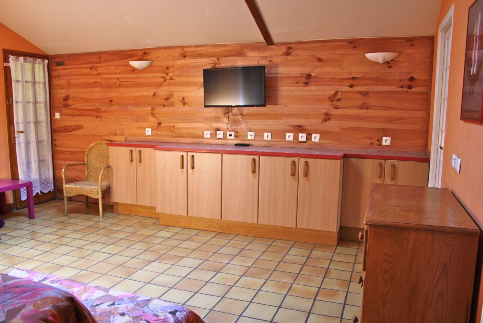 f2-deux-pièces-chambre-séparée-location-meublé-saisoonier-villejuif-pas-cher